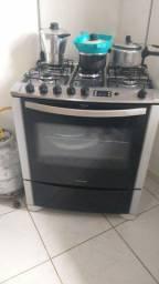 Título do anúncio: Vendo um fogão uma máquina um armário