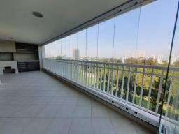 Título do anúncio: Apartamento para aluguel possui 233 metros quadrados com 4 quartos