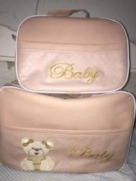 Vende-se  kit bolsa + trocador para menina