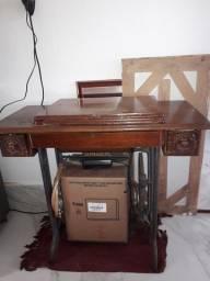 Título do anúncio: Máquina de costura Singer 110