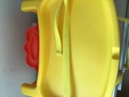 Cadeira alimentação portátil Leão Fisher price
