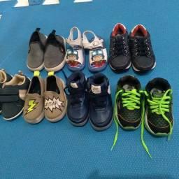 Título do anúncio: Lote de calçados infantil  105,00