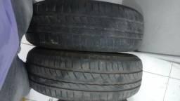 Par de pneus em otimo estado de conservação!