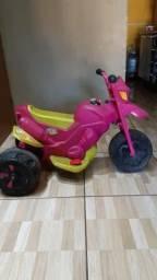 Vendo essa moto elétrica avista 1 ano de uso ñ faço entrega ñ