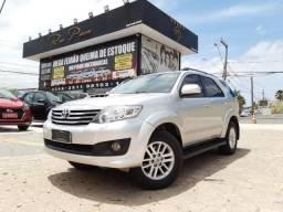 Toyota Hilux SW4 3.0 4x4 7 Lugares 14/14 - Troco e Financio! - 2014