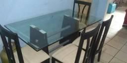 Vendo mesa de vidro com 6 cadeiras ( aberto a negociacoes)