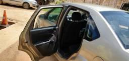 Fiesta sedan 2010/2011 - 2011