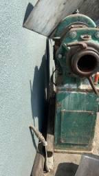 Engrenagens usadas e Trafila Usada e Redutor com Motor Novo
