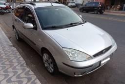 Ford Focus 2005 1.6 GAS 5P mec