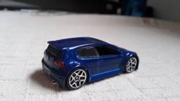 Carrinho Miniatura Hot Wheels VW Golf GTi