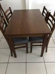 Mesa madeira + 4 cadeiras ripadas de madeira