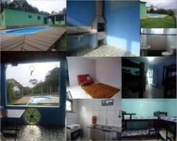 Casa com piscina e churrasqueira em mairiporã