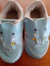 Tênis Asics elefante 25