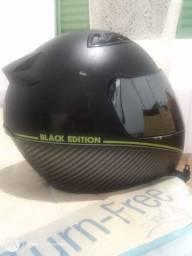 Capacete black edition