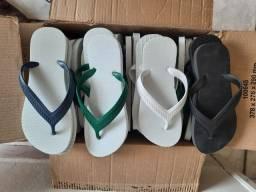 Título do anúncio: 100 pares de sandálias  em atacado