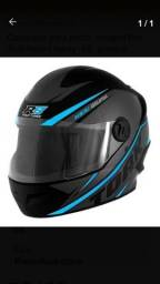 Título do anúncio: Capacete para moto preto e azul claro tamanho 56
