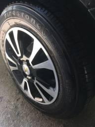 Jogo de rodas 14 175/70 com pneus com mais de 80% de borracha