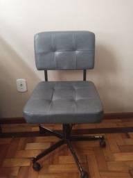 Título do anúncio: Cadeira giratória tipo Diretor