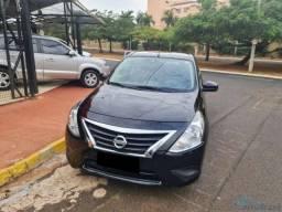 Nissan Versa 1.0 preto 2019 ótimas condições de financiamento