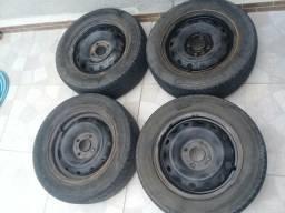 Jogo de Rodas Ferro 4x108 14 com pneus usados