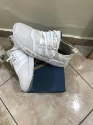 Tênis adidas (Semi novo)