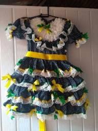 Vestido de festa junina luxo semi-novo
