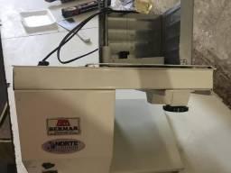 Máquina de fatiar queijo