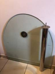 Mesa de vidro com inox
