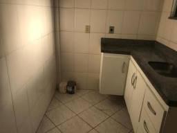 Apto Quarto e sala,cozinha e banheiro, 5 min do centro de Calçadão no centro de campos