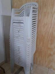Cadeira plástico com braço