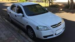 Astra Sedan motor zero KM