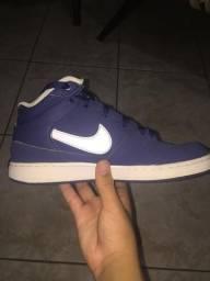 Tênis Nike-tamanho 38-usado