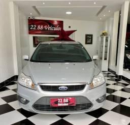 Ford Focus (sedan)