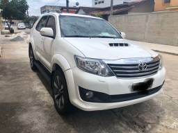 Toyota Hilux sw4 SRV 7 lugares 4x4