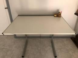 Mesa de desenho AO Trident