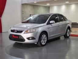 """Título do anúncio: Ford Focus Sedan 2.0 FLEX """"Periciado"""""""