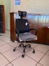Cadeira diretor com apoio de cabeça