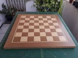 Título do anúncio: Tabuleiro de Xadrez (sem peças)