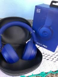 Fone Beats Solo Pro com cancelamento de ruidos