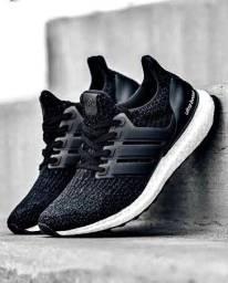 Título do anúncio: Tênis Adidas UltraBoost 4.0 *ORIGINAL* Black N.40