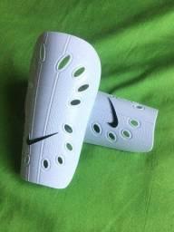 Título do anúncio: Caneleira Nike