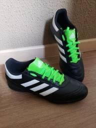 Chuteira NOVA Adidas n° 41