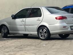 Vendo um carro Fiat Siena Essence 1.6