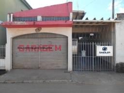 Casa ampla no Centro de Três Rios RJ.