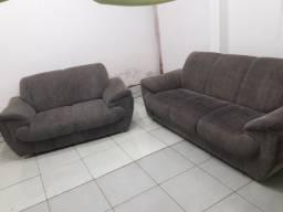 Sofá  bem conservado 2 e 3 lugares