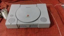 Playstation 1 Fat desbloqueado + 1 jogo