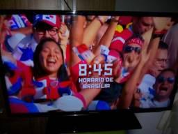 """Tv 40"""" Led full HD Samsung com controle original e pezinho leia todo anúncio"""