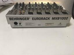 Mesa de som Eurorack da behringuer
