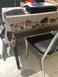 Mesa c/4 Cadeiras - R$ 550,00