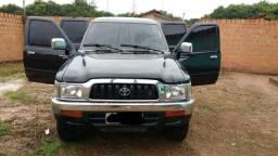 Venda de carro Hillux - 2004